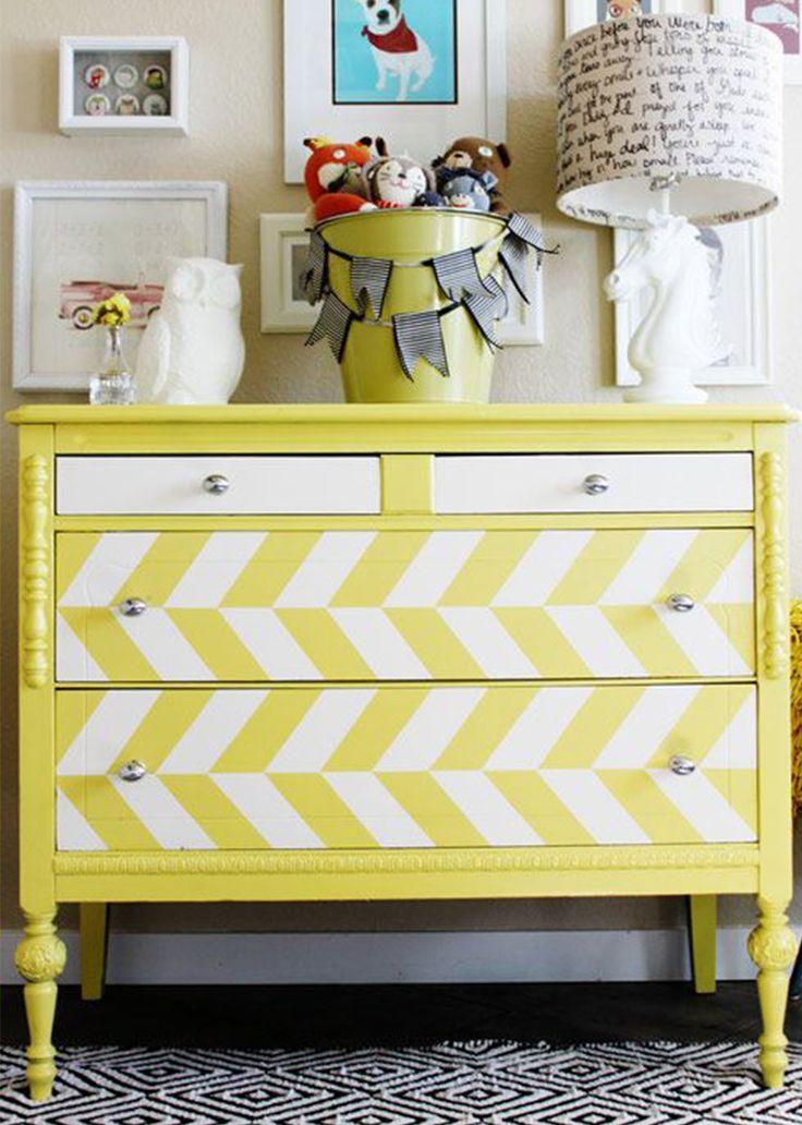 Estampa chevron nas paredes, móveis, tecidos e até piso!
