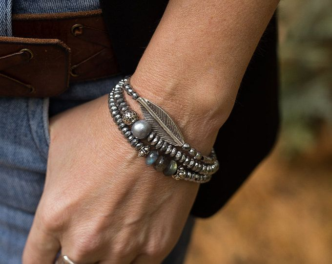 Explora los artículos únicos de AlisonStorryJewelry en Etsy: el sitio global para comprar y vender mercancías hechas a mano, vintage y con creatividad.