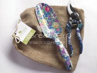 Herramientas de jardinería floreadas — greengift