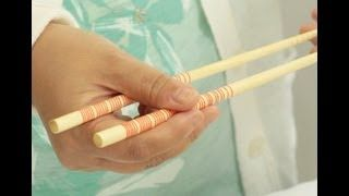How to Hold & Use Chopsticks the Right Way! - YouTube