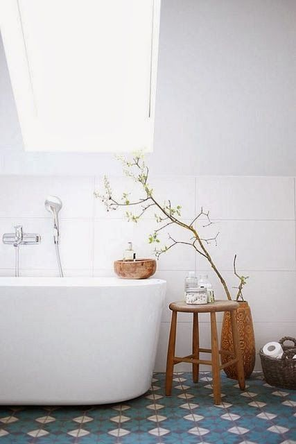 In love with this simple, chic and nature inspired bathroom