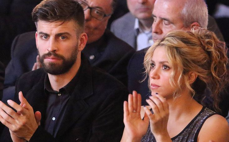 El futbolista Gerard Piqué y la cantante Shakira.  They were born the same day and are today 41 years old (she) and 31 (he).  February 2nd 2018.