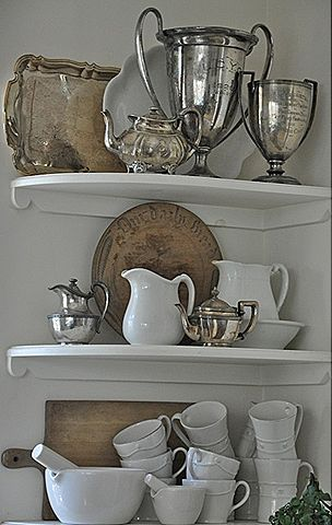 Pure Silver Trophies | White Metal Trays, Salver, Bowls, Cups Cutlery Set, Tea Sets, Mementos Online in Delhi NCR India #shreebalajihandicrafts #Awards www.sbhdilli.com