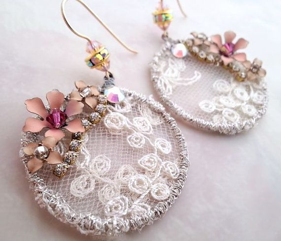 Circle+lace+earrings+cream+drop+earrings+Swarovski+by+LaCamelot