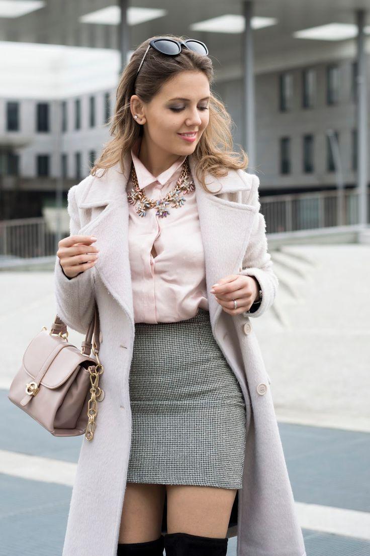 #Pink #ootd #outfit #skirt #overthekneeboots www.ellysa.it
