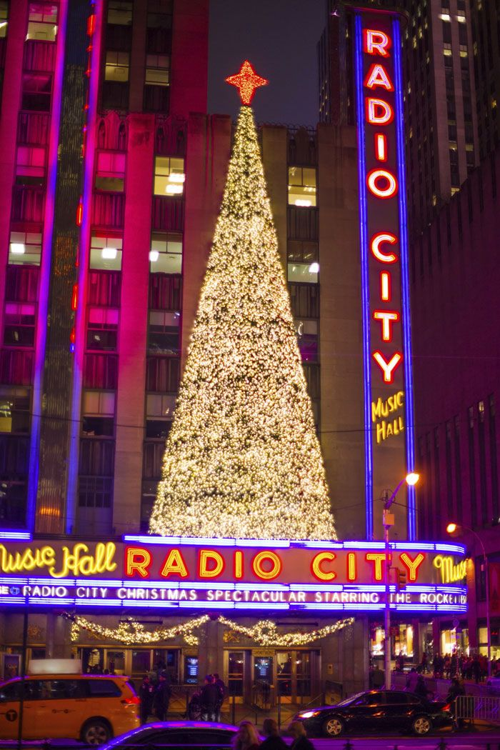 A guide on everything to eat, see, and do at Christmas in New York. Christmas time in NYC is the most wonderful time of the year.