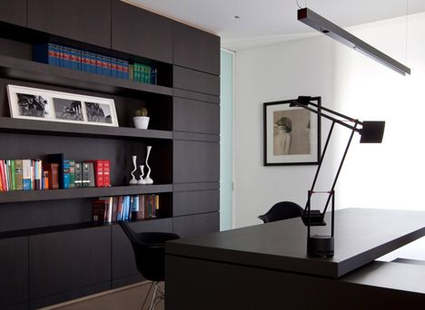 Interiores de Escritório de Advocacia por Chiavola + Sanfilippo Arquitetos office, escritório, estante preta, minimalismo