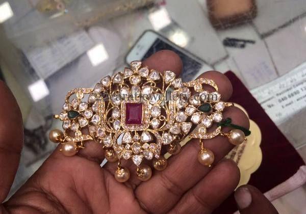 Jewellery Designs: 32 Gms Pachi Work Bajuband