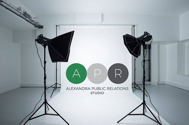 """Welcome to @studio_apr, where you can  hire up to 105m² to host all your events and photoshoots! If you'd like to know more, just drop us a message ✌️ ✨  #studioapr #alexandrapublicrelations #aprparis #aprdigital #photostudio #studiophoto #fashion #mode #events #eventhire #venteprivee #installations #art #paris #interieur #interior #interiorismo #home #decoration #decor #decohome #studio_apr #pr"" by @studio_apr. #이벤트 #show #parties #entertainment #catering #travelling #traveler #tourism…"
