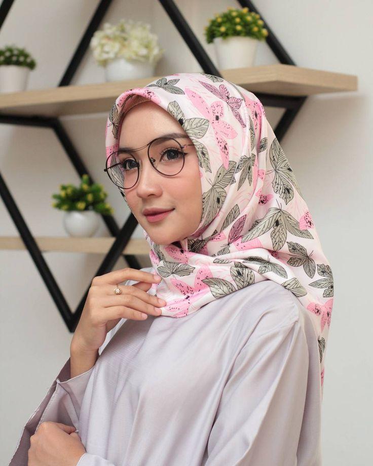 "4,696 Likes, 34 Comments - Nurul Hikmah Febriany (@nurulhikmahfebriany) on Instagram: ""Assalamuallaikum , hijab square motif from @hijabayuoriginal thank you """