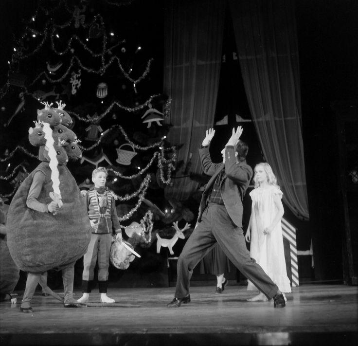 George Balanchine demonstrates for the Mouse King, David Richardson and Zina…