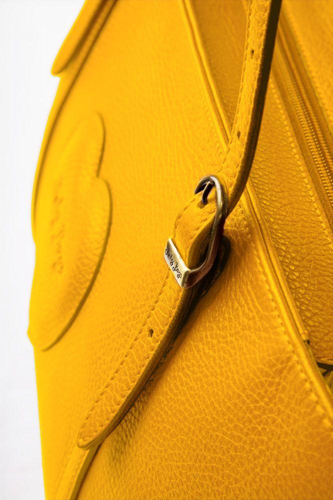 #Cancro - Reby Shopping Piccola Amate i #colori vivaci, frizzanti e ultramoderni. Seguite la #moda e se e uno tra i vostri #marchi preferiti decide che è ora di cambiare, perché non dovreste farlo voi?   Reby Shopping Piccola la trovi http://rebybags.eu/index.php?id_product=13&controller=product&id_lang=6#