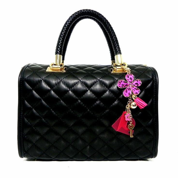 YOUR BAG la tua borsa le tue iniziali  Your name your life!  #millenniumstar #moda #fashion #cool #pinterest