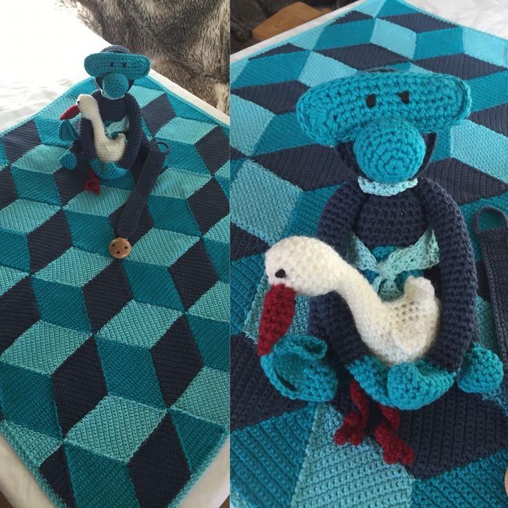 Rombetæppe, Kay Boysen aben, suttesnor og en lille stork :)