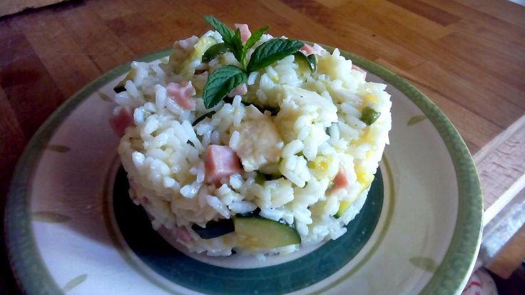 Ensalada de arroz con calabacín y jamón