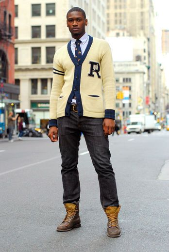The Preppy look is basically a neat, well-balanced, put-together look that can be achieved by combining the right colors, patterns, and accessories.