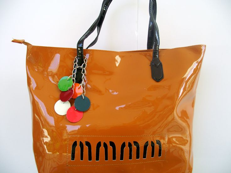 Ανοιξιάτικες τσάντες χειρός ώμου και πλάτης σε προνομιακές τιμές στο http://amalfiaccessories.gr/bags/
