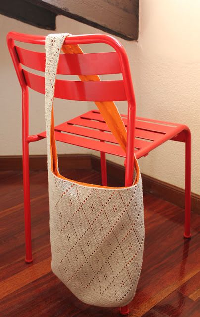 Crochet diamond bag. Free pattern with chart by ET-lehti http://www.ravelry.com/patterns/library/virkattu-kassi