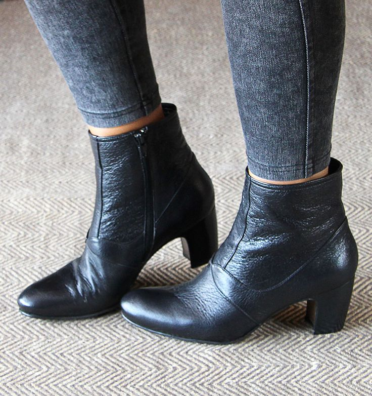 Boots Shoes Online Store