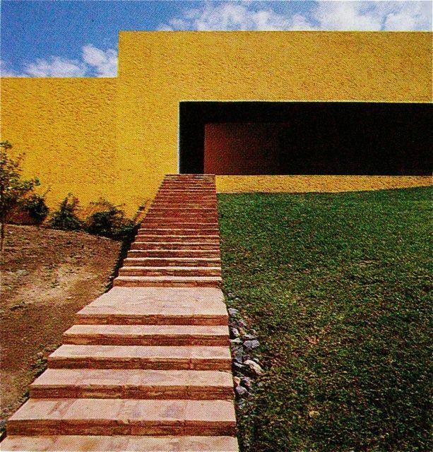Always jaw droppin' work by my fav' Luis Barragán.  MONDOBLOGO: luis barragan in colour....