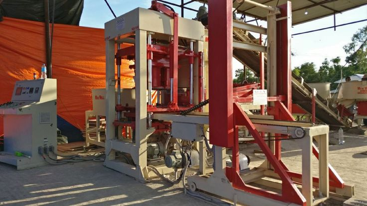 Fly Ash Brick Making Machine. Automatic Fly Ash Brick Making Machine in India. #flyash #bricks #brickmachine #flyashbricks