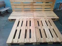 Resultado de imagem para cama cor de madeira feito de feito de pallet