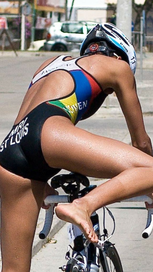 Hot girls doing triathlons