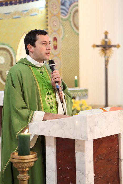 Padre Reginaldo Manzotti & Associação Evangelizar é Preciso - Discípulos Missionários do Senhor