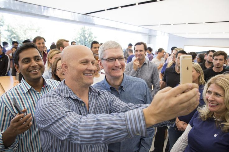 Apple relaunches campus store -- and you can buy an iPhone there now
