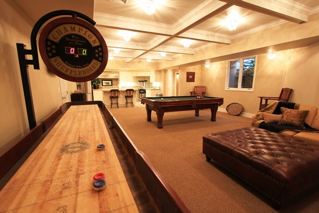 Man Cave Yaletown Hours : Spend hours playing different games in this man cave