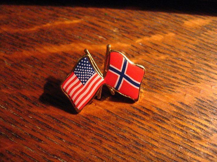 Norway / USA Flag Lapel Pin - Norwegian American Flags Patriotic Nationality Pin