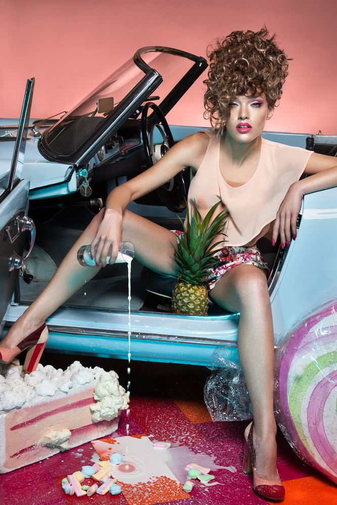 Curly hair touquoise car drink milk hair Egidio Borri MUA Barbara Corso make up artist PHOTO Azzurra Piccardi