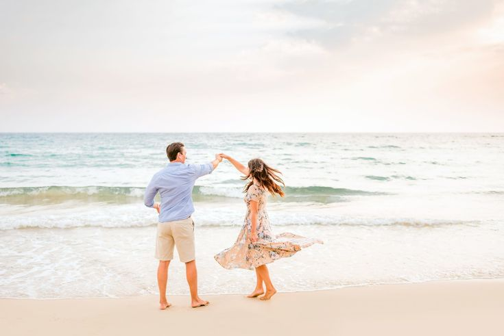 Extended Family Sunset Mauna Kea Beach Photography – Big Island, Hawaii – Wilde Sparrow Photography Co | Big Island Hawaii Family and Couples Photographer