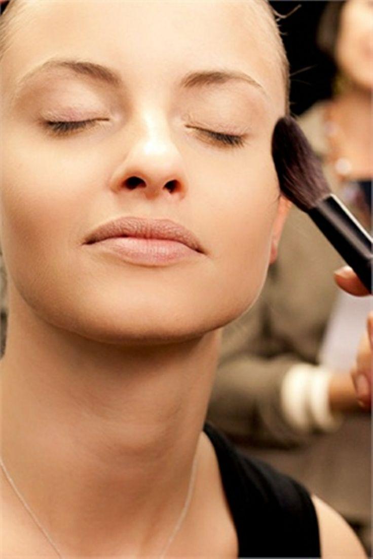 ++++ E TU COME TI TRUCCHI LA MATTINA ++++  Consigli per un Make-up da giorno...per visualizzare i CONSIGLI ➨➨➨ http://www.womansword.it/donna-bellezza-consigli/beauty-fai-da-te/beauty-fai-da-te-make-up/consigli-per-make-up-giorno/