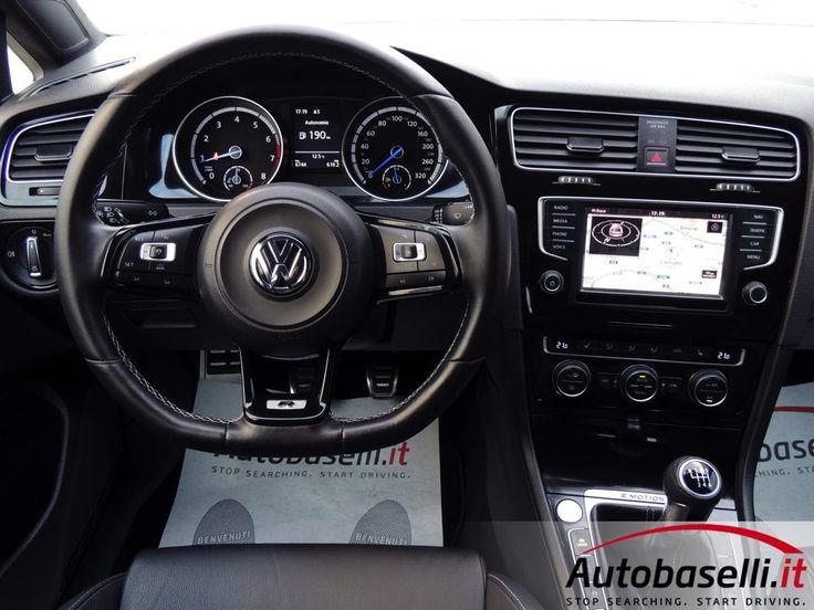VOLKSWAGEN GOLF VII 2.0 R 4MOTION 300CV Soli 6.000km + 4x4+ Navigatore + Fari bi-xeno + Interni sportivi in pelle + Active cruise control + Retrocamera + Bluetooth + Keyless'go/entry + DCC + Sedili riscaldati + Park assist ant/post + Cerchi in lega 18 + Radio touchscreen + Climatronic + Garanzia Volkswagen + IVA ESPOSTA + Unico proprietario + del 2016