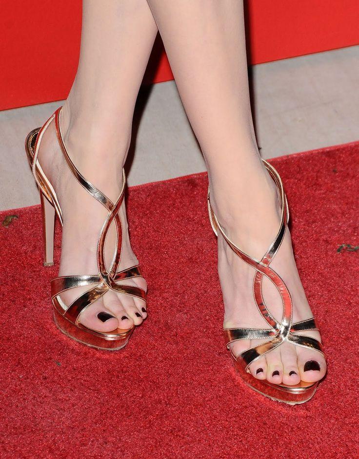 Kesha williams pink toenails 7