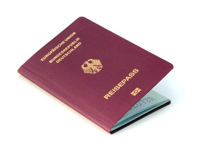 Visszaállítanák a németek az útlevél rendszert - http://hjb.hu/visszaallitanak-a-nemetek-az-utlevel-rendszert.html/