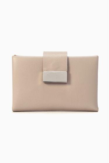 MARY AL TERNA カードケース  MARY AL TERNA カードケース 16200 2016AW IENA MARY AL TERNA 良質な革小物やバッグに定評のあるドメスティックブランドED ROBERT JUDSON(エドロバートジャドソン)のレディースライン 女性の仕草にフォーカスして生み出すアイデアツール フェミニズミを基に画期的なアイデアで今までにないツールを提案します こちらの商品はIENAでの取り扱いになります 直接店舗へお問い合わせの際はIENA店舗へお願い致します