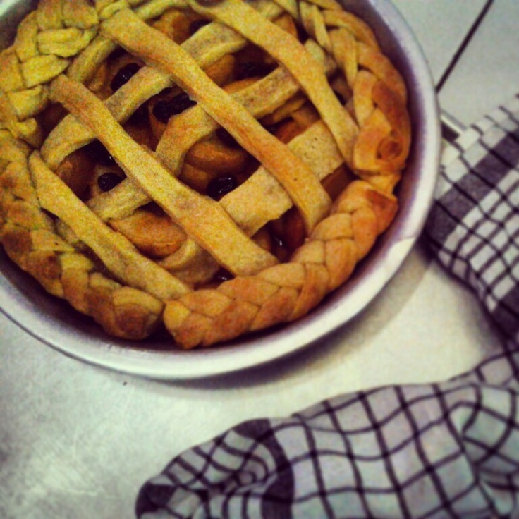 Australia Junior Master chef pie edition really inspired me to make this apple pie, taste great. And of course my pie and pastry board really help me with the crust!