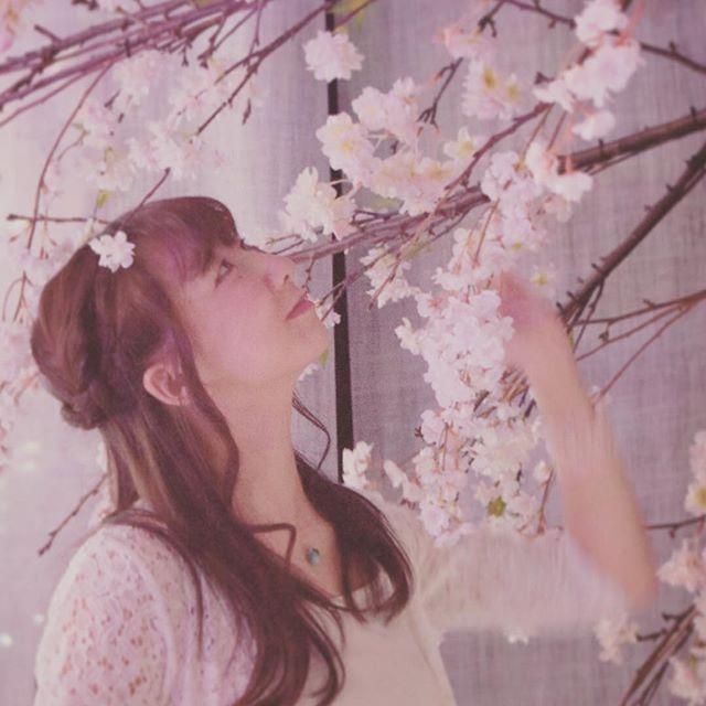 【rengechigasaki】さんのInstagramをピンしています。 《* ・ できたー!! * ・ 明日やりたかった新曲、できたー*\(^o^)/* * ・ 立春も過ぎたし、衣装とかも春らしく♡♡ * ・ お楽しみに♪( ´▽`) * ・ 2017年2月6日(土) @ leaf room豪徳寺 19:30start * ・ ・ photo by @priusshota https://www.facebook.com/priusshotaphotography/ * ・ #新曲 #立春 #春 #桜 leafroom豪徳寺 #flowersbynaked #priusshota #湘南 #茅ヶ崎 #シンガーソングライター #音楽 #ライブ #ちがらじ #紹介動画配信 #湘南ガールコンテスト 2016 #ファイナリスト #一般投票3位 #湘南の魅力を発信 #レポーター #れんげ世界へはばたく #れんげ茅ヶ崎出身 #茅ヶ崎出身れんげ》