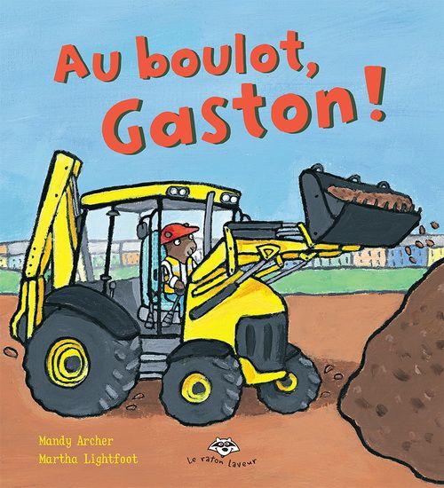 Gaston l'ourson travaille sur un chantier de construction avec sa chargeuse-pelleteuse qui l'attend tous les matins pour de nouvelles aventures. Sans elle, Gaston ne pourrait pas mener à bien tous ses travaux. Aujourd'hui, il doit aménager un nouveau terrain de jeu pour les enfants de l'école. En plein milieu de la journée, le téléphone de Gaston sonne. Un chat est coincé dans l'arbre. Gaston et sa chargeuse-pelleteuse arriveront-ils à le secourir ?La série Les petites roues met en scène des…