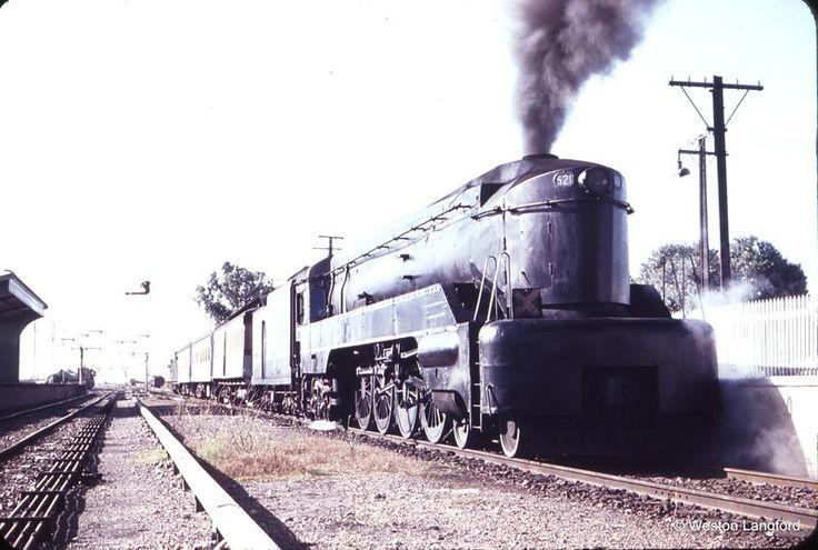 105582: Tailem Bend 8:30am Up Passenger 521. 27 February 1965.