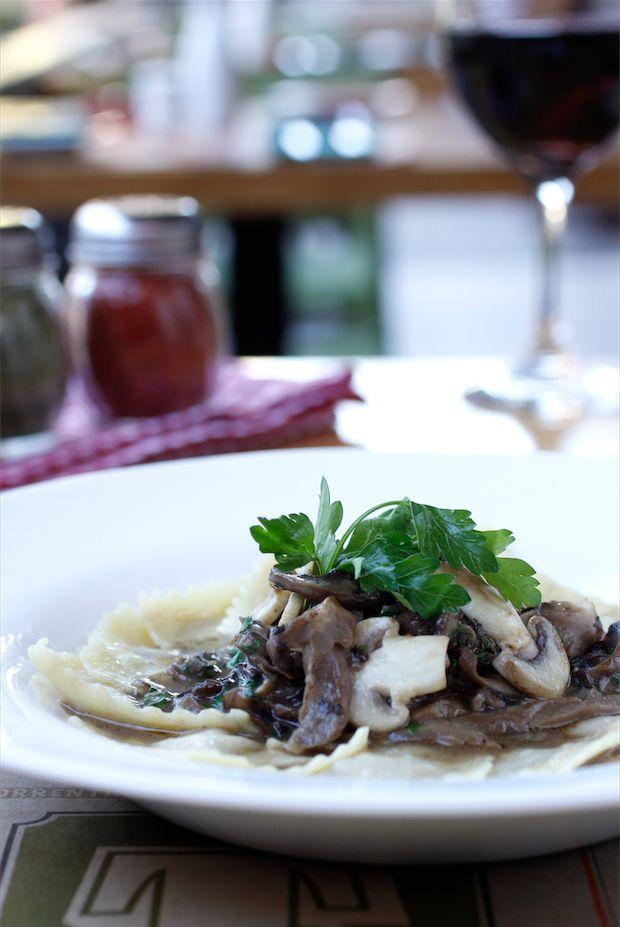 Ravioli de carne en salsa funghi - Revista Platos y Copas
