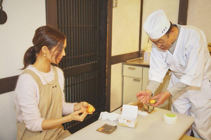 「レジャー体験」では、京都市内の老舗和菓子店で体験した「季節の和菓子作り」をご紹介します。 #京都 #和菓子 #体験