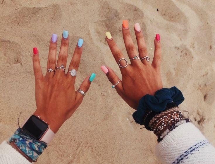 VSCO – lol würde es wirklich begrüßen, wenn ppl aufhören könnte, mich nur wegen Repubs zu belästigen   – rainbow-nails