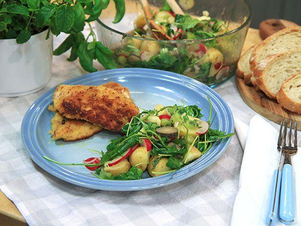 Parmesanpanerad kyckling med italiensk potatissallad   Recept från Köket.se