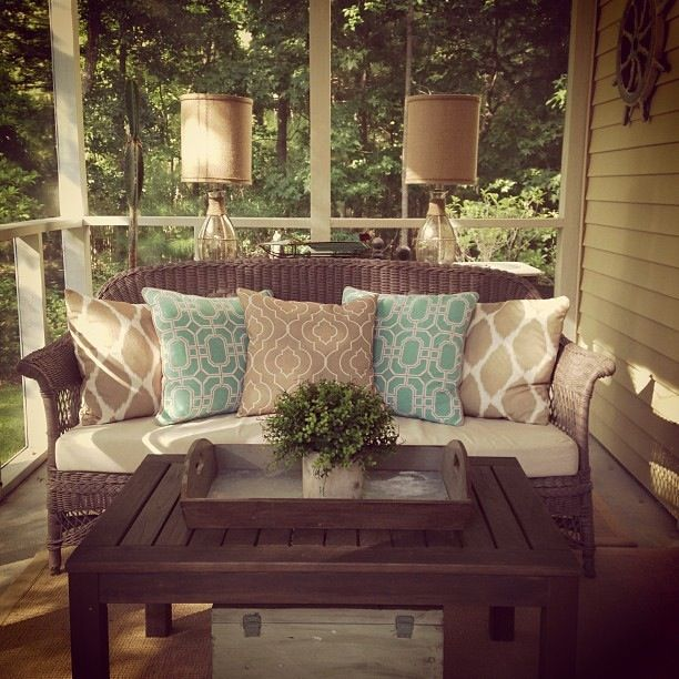 Enclosed Porch Decorating Ideas: Best 25+ Screened Front Porches Ideas On Pinterest