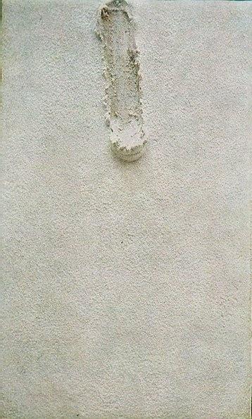 """Antoni Tàpies. (Pintura Materica- no importa la figura ni color sono textura y tipo de material) tiene distintas esculturas como la del """"calcetin"""" y su """"culo"""""""
