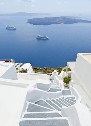 Circuito y crucero de 8 días por las Isla Griegas visitando Atenas, Kamena Vourla, Kalambaca, Delfos, Mylonos, Kusadasi, Patmos y Santorini.