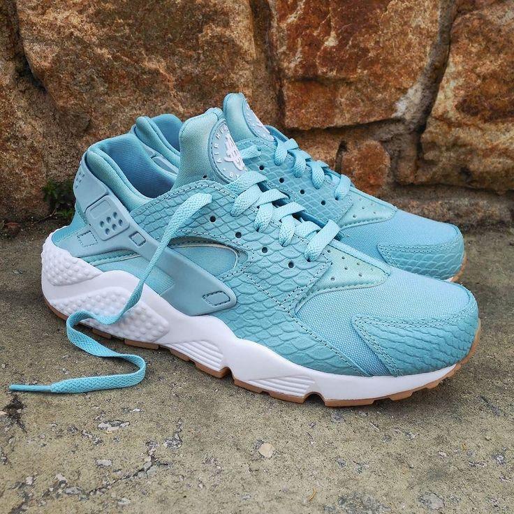 "Nike Air Huarache Wmns SE ""Mica Blue"" Size Man & Wmns - Price: 129 (Spain Envíos Gratis a Partir de 99) http://ift.tt/1iZuQ2v  #loversneakers#sneakerheads#sneakers#kicks#zapatillas#kicksonfire#kickstagram#sneakerfreaker#nicekicks#thesneakersbox #snkrfrkr#sneakercollector#shoeporn#igsneskercommunity#sneakernews#solecollector#wdywt#womft#sneakeraddict#kotd#smyfh#hypebeast #nikeair#huaraches #nike #huarache"